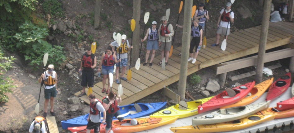 Loading up the kayaks