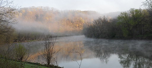 Misty morning on the Mon River