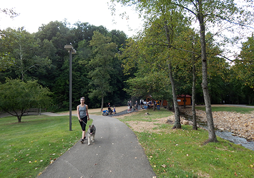 A group of people enjoying the Sheepskin Trail